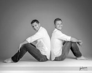 jonathan et nicolas couple  drome portrait noir et blanc